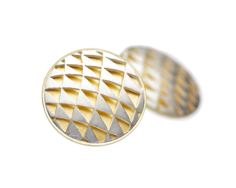 Ohrring, gesägte Dreiecke mit Silber und Feingold